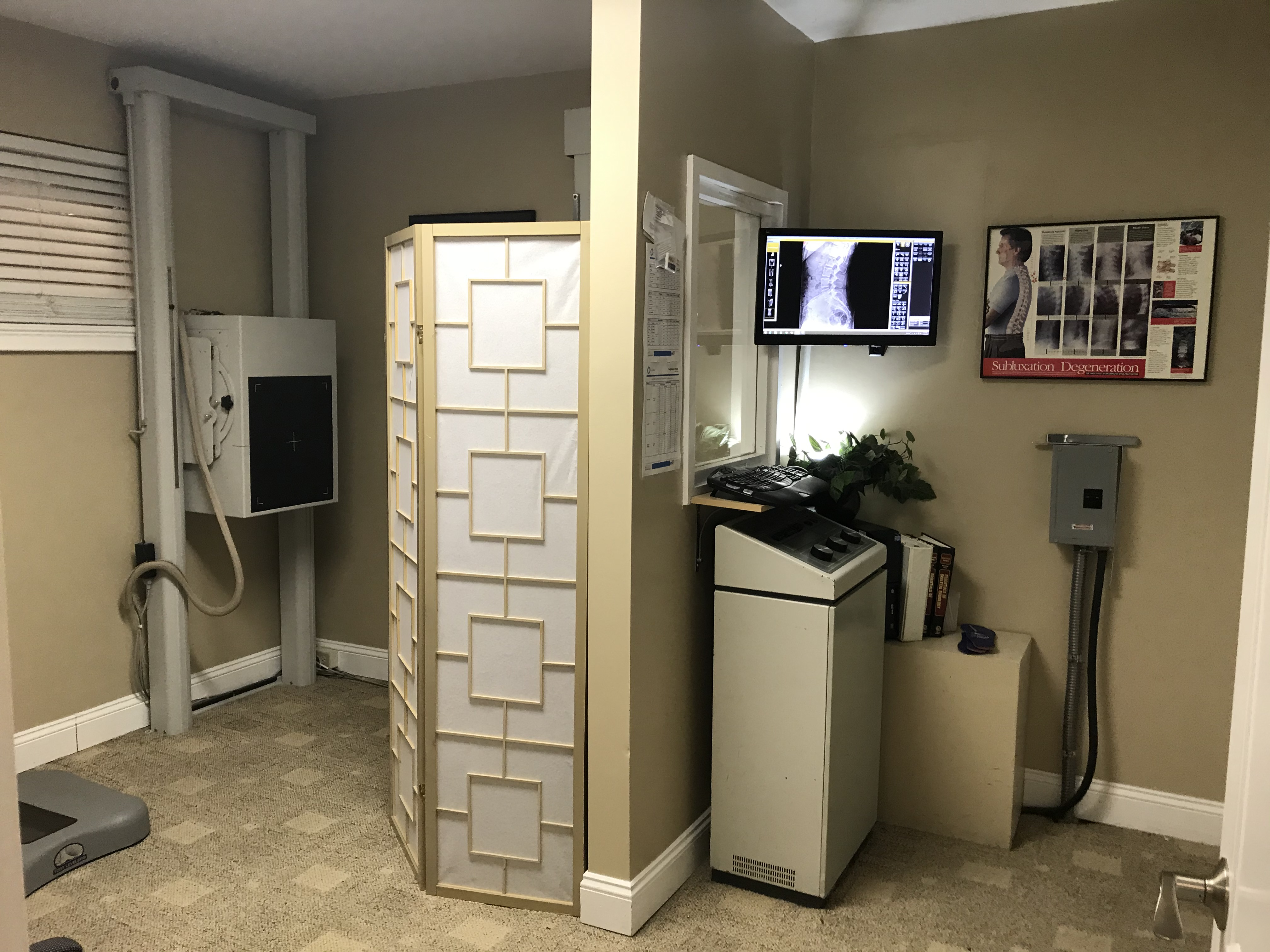 The Doctors Wellness Group Digit Xray and Exam Room